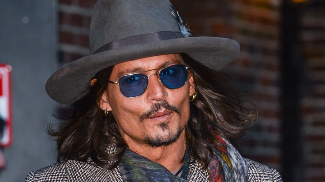 "Johnny Depp Kisses Jimmy Kimmel After Host Says ""Lone Ranger"" Star Has a ""Beautiful Face"""