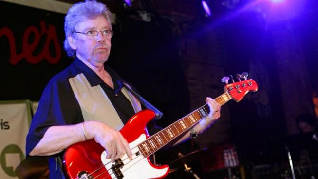 """Bass Player Donald """"Duck"""" Dunn Dies in Tokyo"""