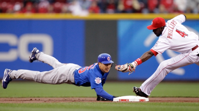 Sloppy Cubs Lose to Reds 7-5
