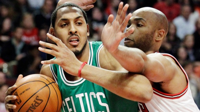 Deng, Noah Lead Rose-Less Bulls Over Celtics