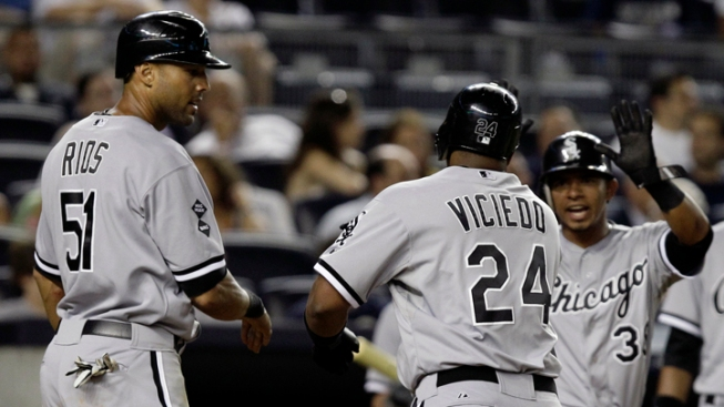 Sox Top Yankees With 3-Run HR in 9th