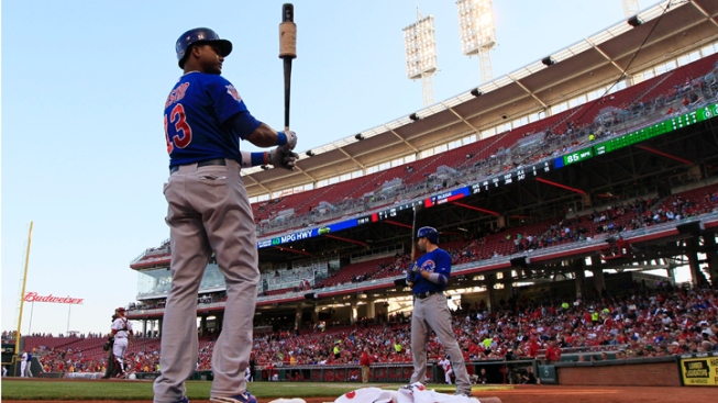 Late Hit Pushes Reds Over Cubs
