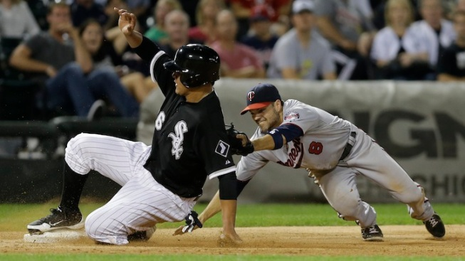 HR in 10th Lifts Twins Past White Sox