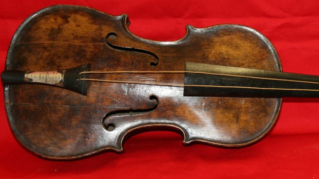 Violin That Played as Titanic Sank Sells for $1.4M