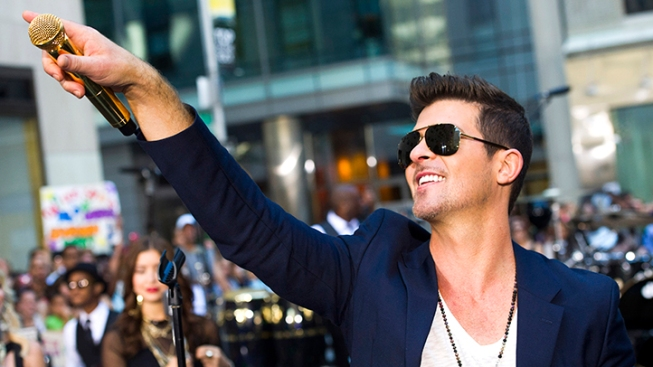 "Robin Thicke Heads to Court Over ""Blurred Lines"""