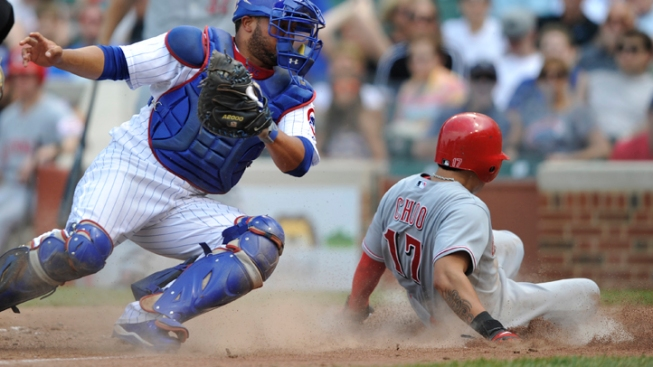 Reds Win Record 12th Straight at Wrigley