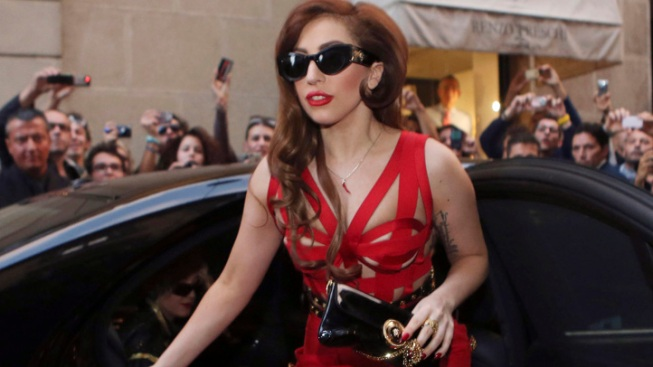Lady Gaga Postpones Chicago Concerts