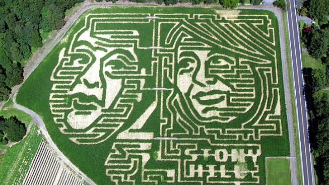 NJ Farmer Cuts Christie, Buono in Corn Maze