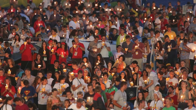 Faithful Fill Meadow Ahead of Pope's Last Mass in Poland