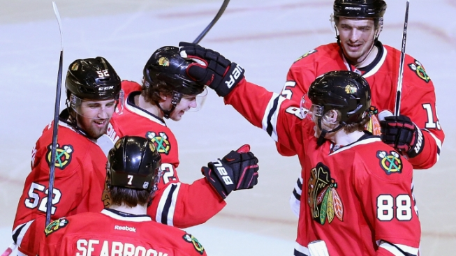 Blackhawks Look to Take Winning Ways on Road vs. Montreal