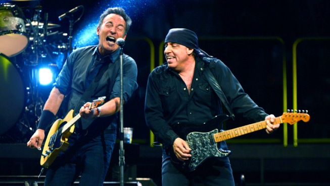 Bruce Springsteen and the E Street Band Launching New Tour