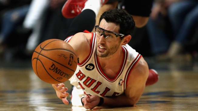 Bulls Sign Hinrich to 2-Year Deal