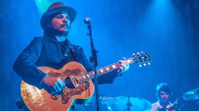 Wilco Frontman Calls for Gay Marriage Approval in Ill.