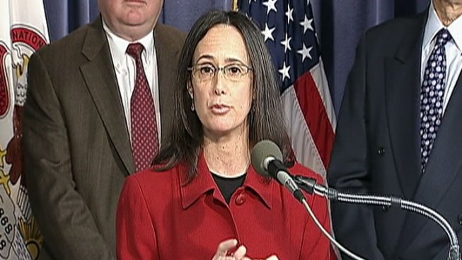 Lisa Madigan Goes After Mo' Money Tax Preparers