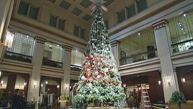 touch of technology comes to macys tree tradition - Is Macys Open On Christmas