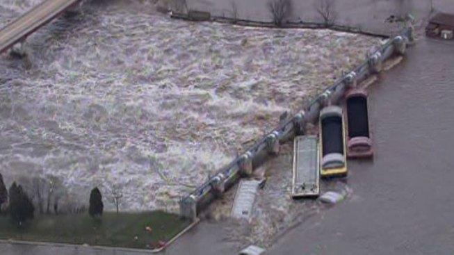 Floodwater Sends Barges Slamming into Illinois Dam