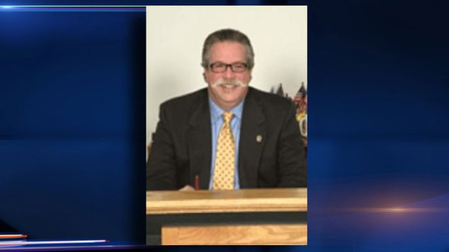 West Chicago Mayor Dies of Heart Attack