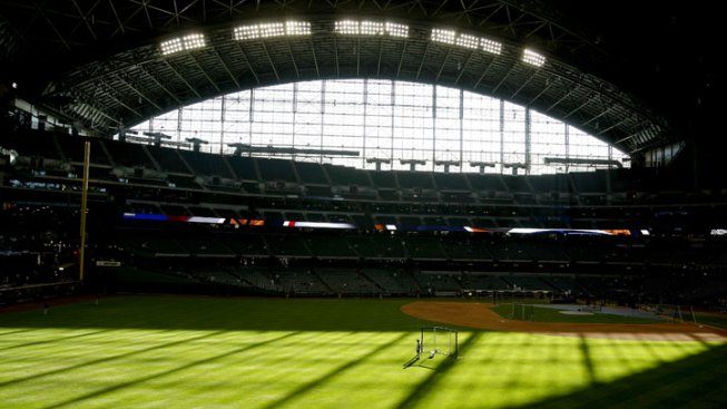 Fan Falls Over Railing at Miller Park in Milwaukee