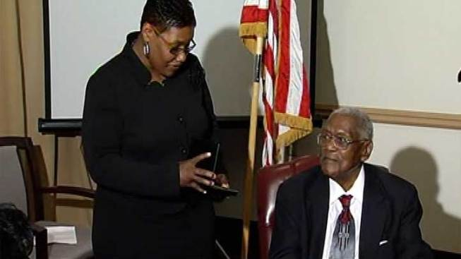 Gary Tuskegee Airman Gets Replacement Medal