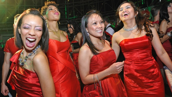 """The Voice"" Finalist Performing at Chicago Red Dress Party"