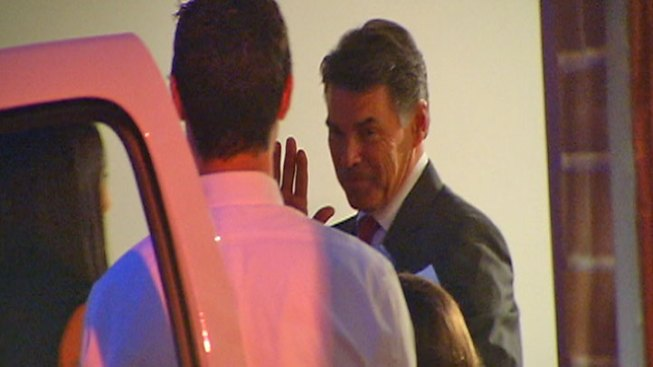 GOP Presidential Hopeful Perry Attends Lincoln Park Fundraiser