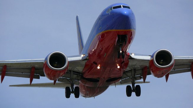 Southwest Aiding Investigation of Near-Collision at Midway