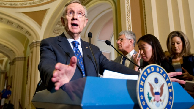 U.S. Senate Leader Harry Reid Injured, But Cleared for Hospital Release After Car Crash