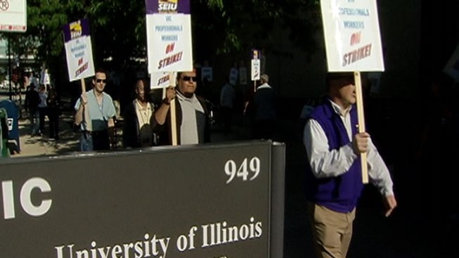 UIC Hospital Workers Take to Picket Line