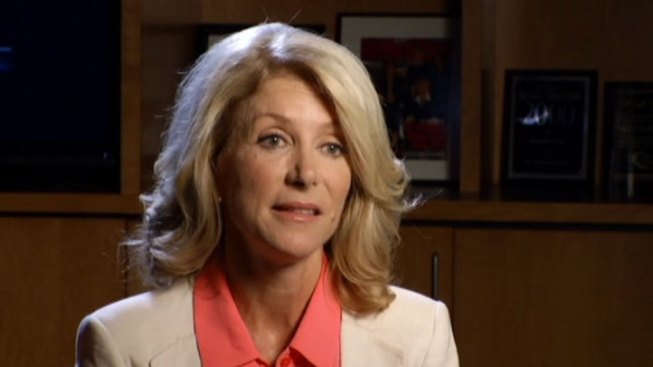 Texas Filibuster Star State Sen. Wendy Davis Raises Nearly $1 Million