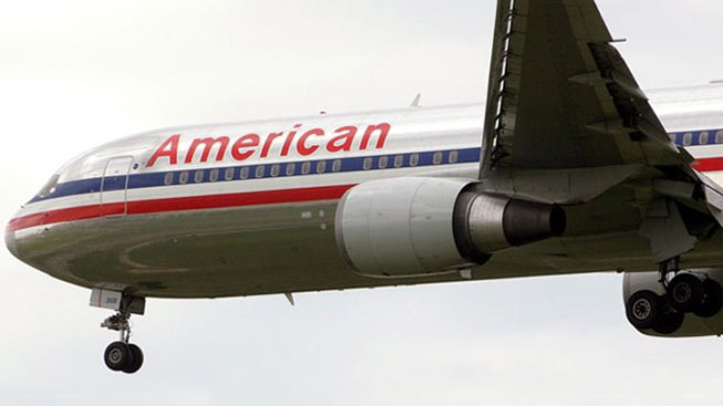 Plane Dumps Fuel Over Lake Michigan, Makes Emergency Landing