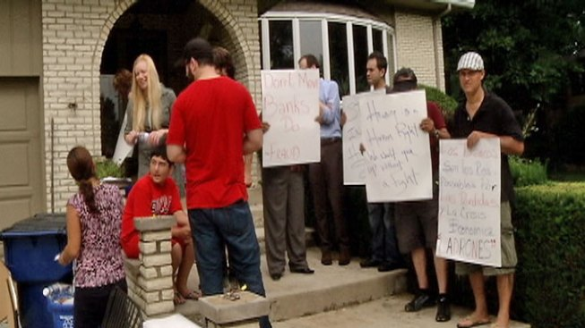 Five Arrested at Addison Eviction Protest