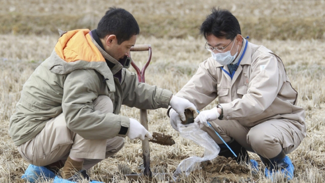 Japanese Official Drinks Water From Stricken Nuke Plant