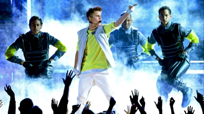 Reports: Justin Bieber Accused of Battery