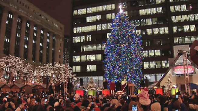 chicago lights its 100th annual christmas tree nbc chicago