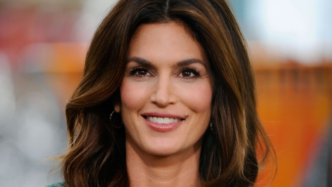 Cindy Crawford Hits Chicago This Week