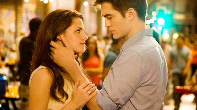 """Breaking Dawn"" Breaks Box Office Records"