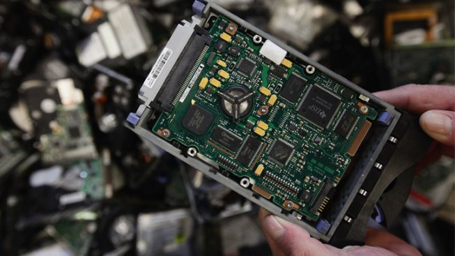 Gov. Bruce Rauner Signs Electronics Recycling Bill