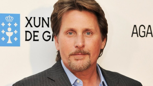 """Mighty Ducks"" Actor Emilio Estevez Live Tweets Hawks-Ducks Game 5"