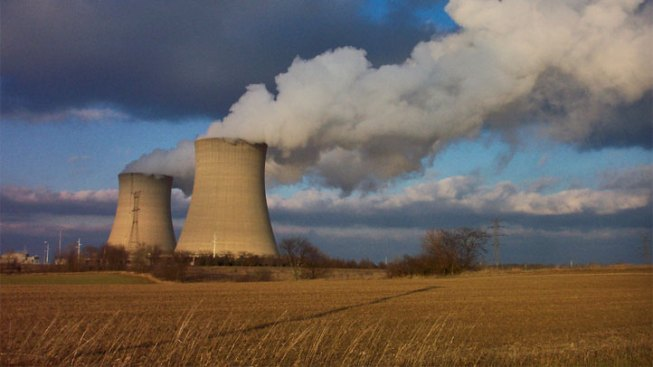 Quinn to Seek Higher Fees on Nuclear Generators