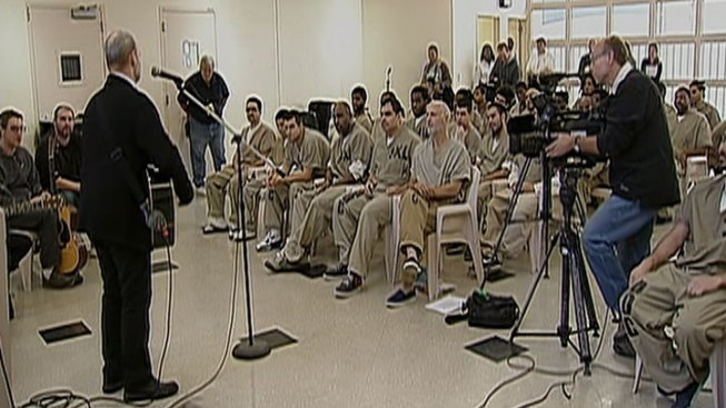 Guitar Lessons Aim to Change Inmates' Tune