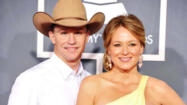Jewel, Ty Murray Welcome Son
