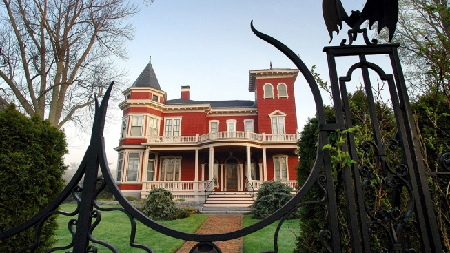 Stephen King and Wife Tabitha Plan Changes to Iconic Maine Home