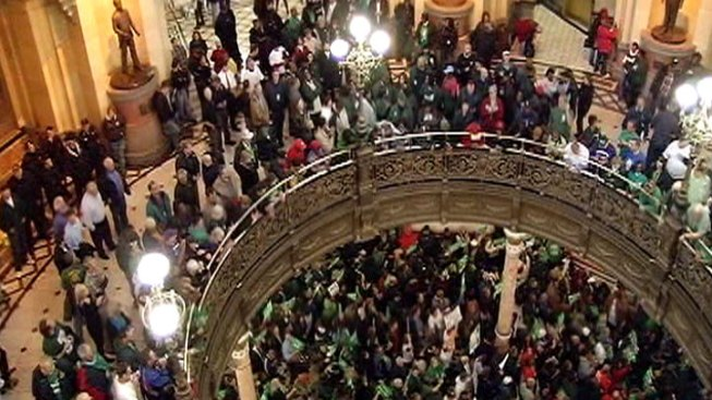 Union Demonstrators Pack Statehouse