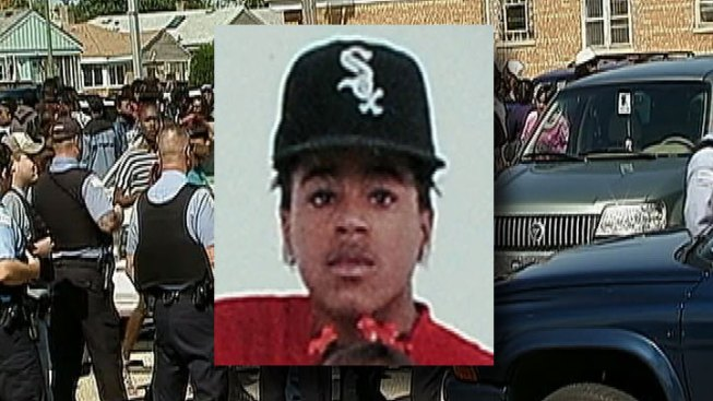 Scuffle Erupts During Teen Rappers Funeral Nbc Chicago