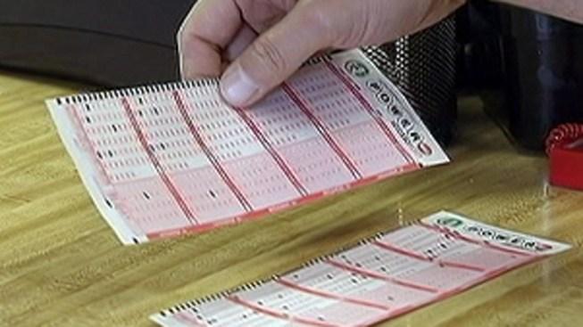 No Powerball Winner, Jackpot Hits Record $425 Million
