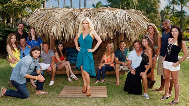 Jenny McCarthy Singles Out New Hosting Gig on 'Love In the Wild'