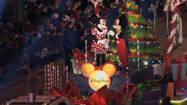 Chicago Lights Up With Magnificent Mile Lights Festival