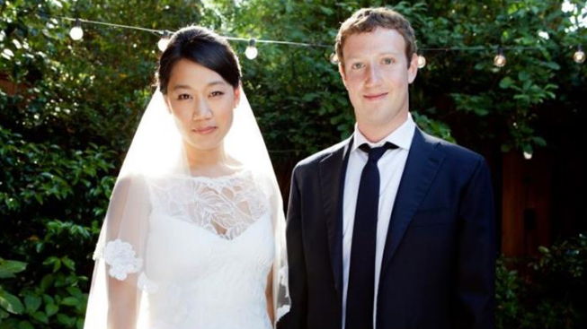 Facebook's Mark Zuckerberg Marries Sweetheart