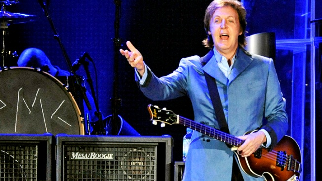 Despite Heat, McCartney Rocks Wrigley Field