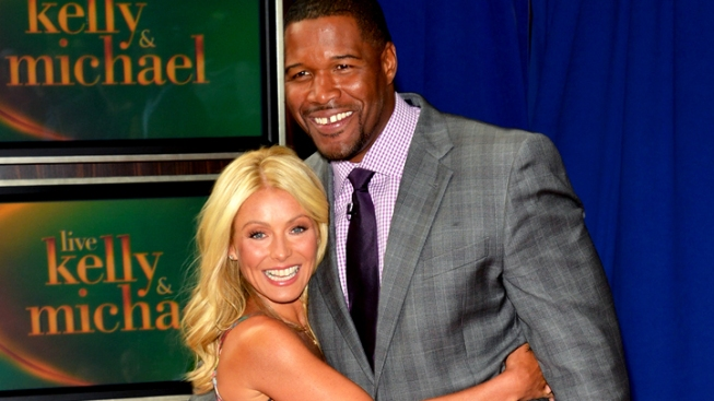 Kelly Ripa Plans to Return to 'Live' Tuesday After Standoff With ABC